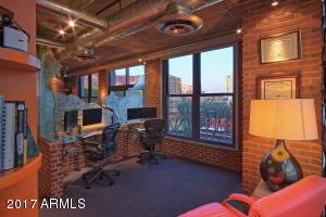 33-10-Office