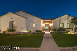 Property for sale at 2069 E Crescent Way, Gilbert,  Arizona 85298