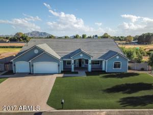 Property for sale at 2311 E Walnut Road, Gilbert,  Arizona 85298