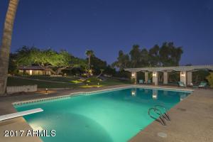 Pool & Ramada