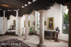 15_Hall Gallery