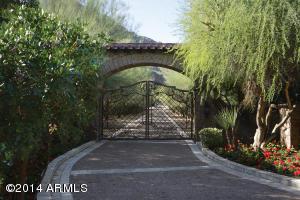 21_Entry Gate