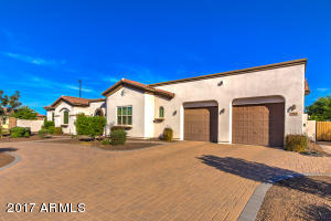 Property for sale at 862 E Buffalo Street, Gilbert,  Arizona 85295