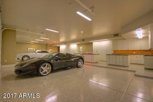 60 - garage