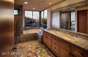 032_Guest Bath