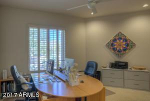 Guest Bedroom 1- office