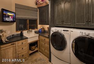 051_Laundry