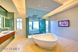 30 Master Bath Tub