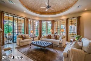 56  Biltmore Estate Phoenix, AZ 85016