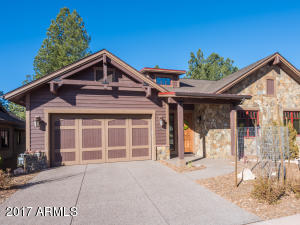 Photo of 1506 E Castle Hills Drive #EP 33, Flagstaff, AZ 86005
