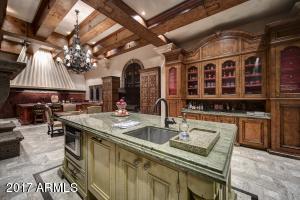 028_Gourmet Kitchen 2
