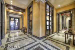 033_Master Foyer