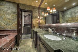 047_Guest Suite II-Bath