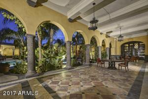 070_Courtyard - Center Walkway