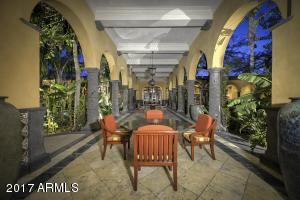 071_Courtyard Walkway 8