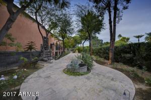 084_Grounds - Walkway