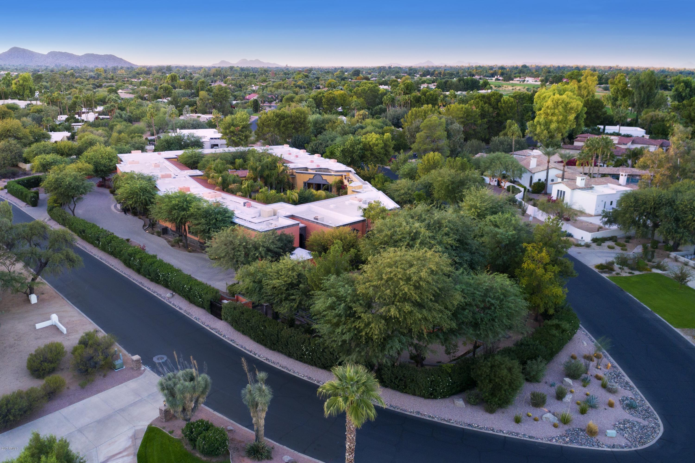 MLS 5701342 8100 N 68th Street, Paradise Valley, AZ 85253 Paradise Valley AZ One Plus Acre Home