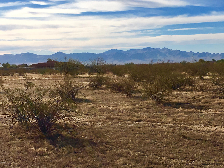 Photo of 25560 W DIXILETA Drive, Wittmann, AZ 85361