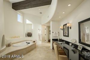 15 Master Bath