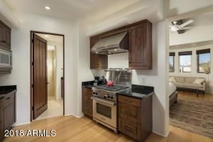 22 Guest House Kitchen