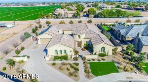 Property for sale at 2022 E Aris Drive, Gilbert,  Arizona 85298