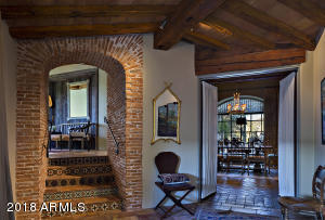 013_Dining Entry
