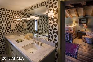 035_Guest Bath