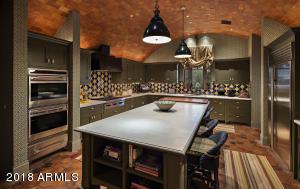 036_Gourmet Kitchen