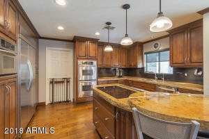Kitchen upgraded appliances and cabinets