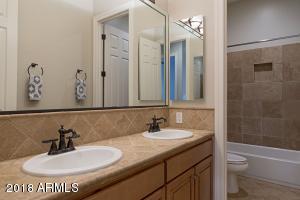 018_Hall Bath