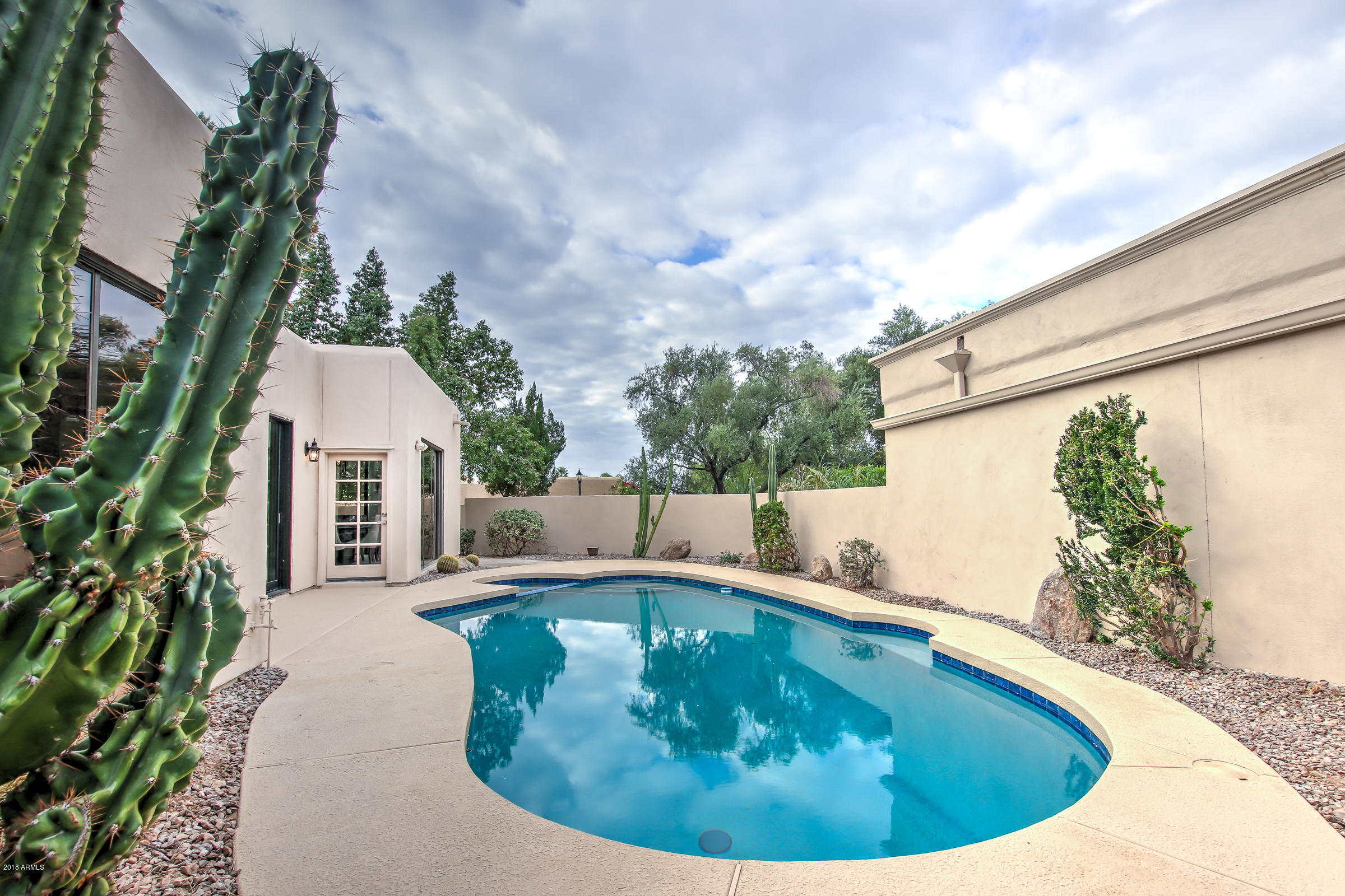 MLS 5725656 2737 E ARIZONA BILTMORE Circle Unit 29, Phoenix, AZ 85016 Phoenix AZ Three Bedroom