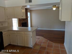 815 Kitchen 2