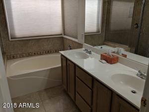 512 Master Bath 2