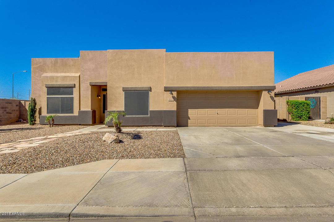 Photo of 3020 S ABBEY Circle, Mesa, AZ 85212
