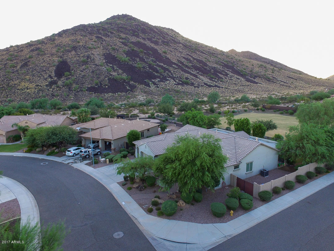5526 W YEARLING Road Photo 18