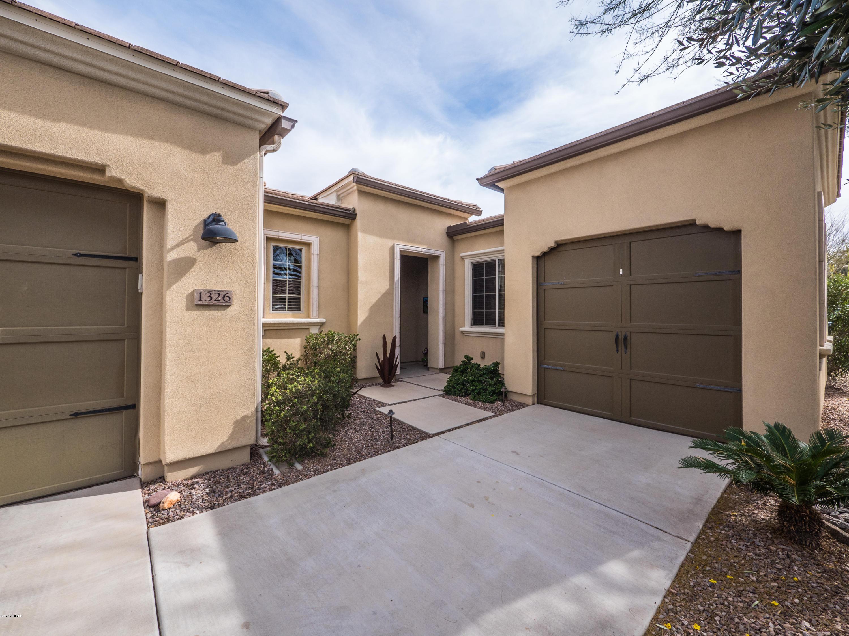 Photo of 1326 E SWEET CITRUS Drive, San Tan Valley, AZ 85140