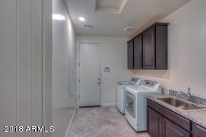 023_Laundry Room