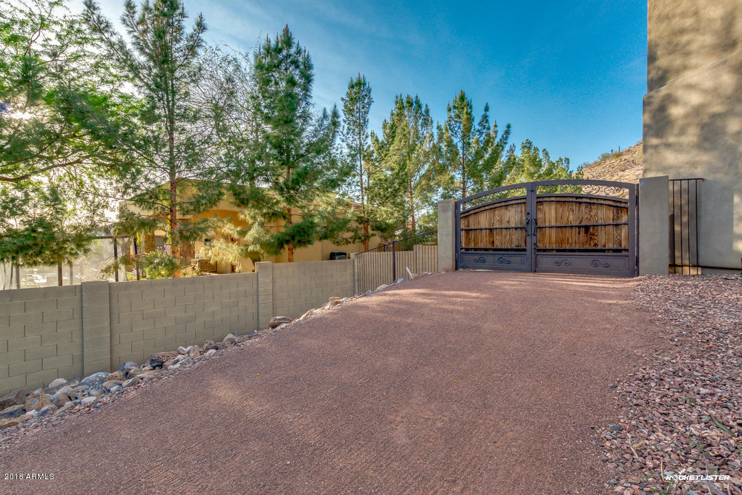 MLS 5751515 6173 W PINNACLE PEAK Road, Glendale, AZ Glendale AZ Equestrian
