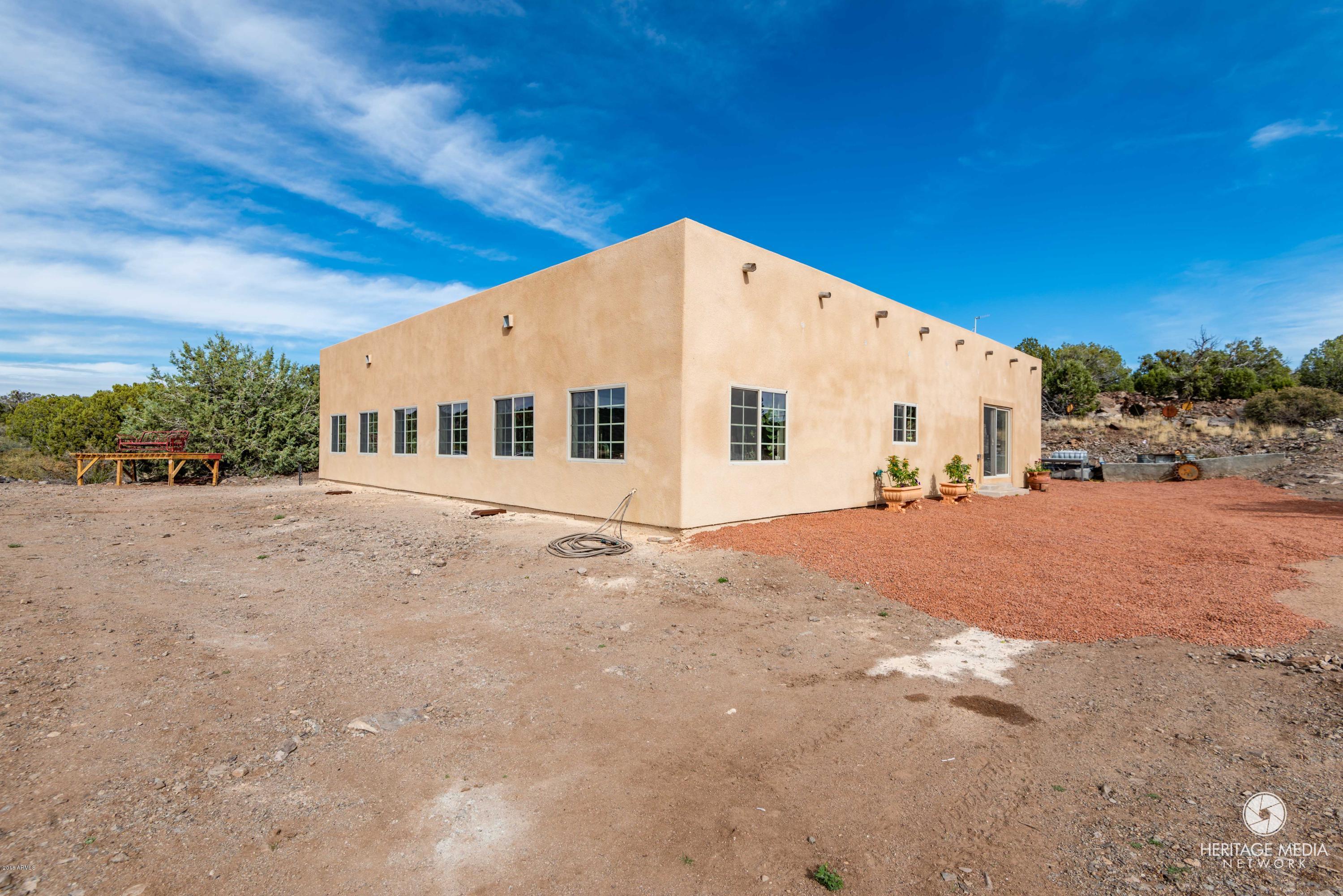 MLS 5748997 20255 E Wapiti Drive, Kingman, AZ Kingman AZ Equestrian