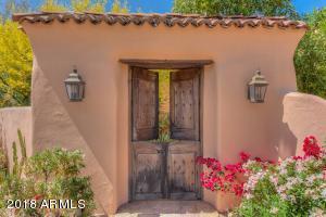 Property for sale at 5868 E Sanna Street, Paradise Valley,  Arizona 85253