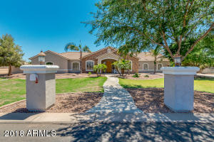 Property for sale at 2655 E Country Shadows Court, Gilbert,  Arizona 85298