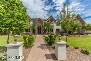 Property for sale at 2052 E Sanoque Boulevard, Gilbert,  Arizona 85298