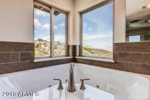 Master Bath with VIEWS!