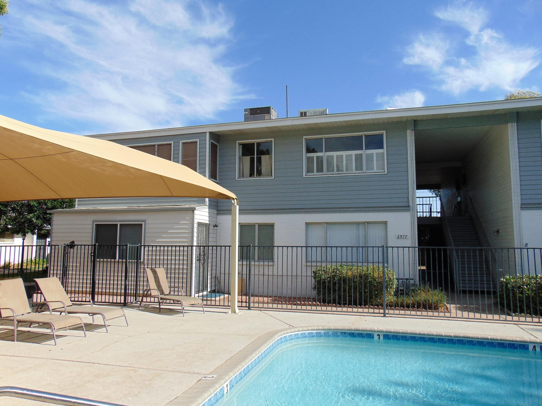Photo of 2577 W Berridge Lane #D-112, Phoenix, AZ 85017
