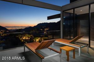 Private Master Lounge