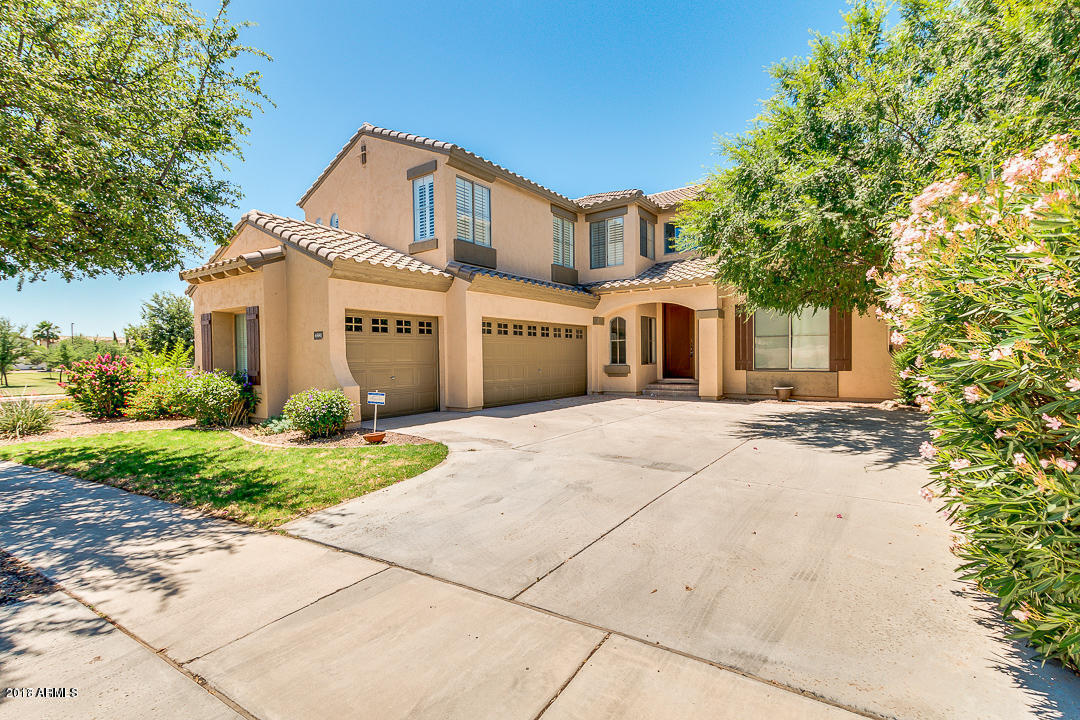 Photo of 4581 E RUFFIAN Road, Gilbert, AZ 85297