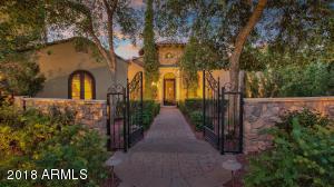 Property for sale at 29 E Oakwood Hills Drive, Chandler,  Arizona 85248