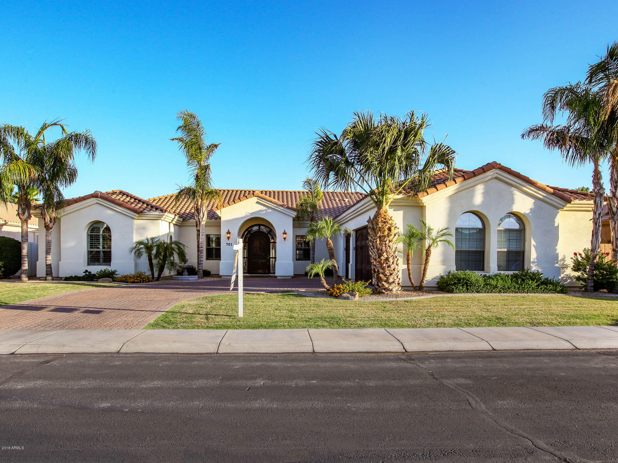 Photo of 901 E KAIBAB Place, Chandler, AZ 85249
