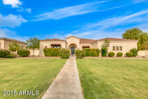 Property for sale at 6517 S Oakwood Way, Gilbert,  Arizona 85298