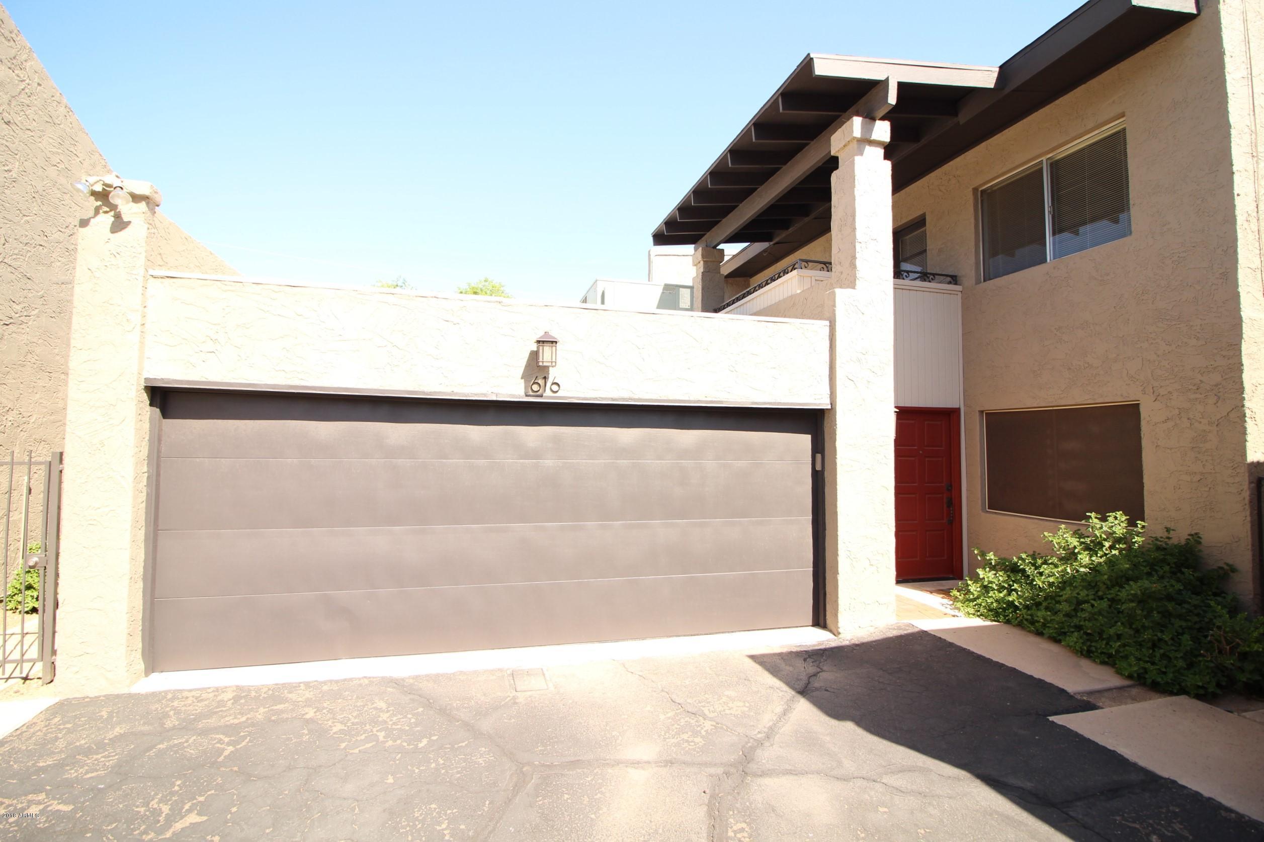 Photo of 616 E MANZANITA Place, Phoenix, AZ 85020